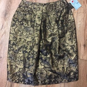 Anne Klein II Gold and Black shiny Skirt!